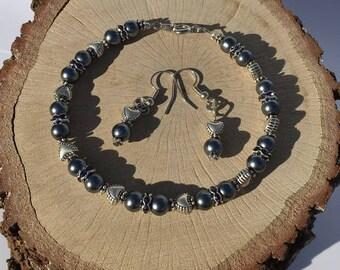 Dark blue pearl, bracelet and earrings, jewelry set, pearl bracelet, pearl earrings, swarovski crystal bracelet, bridesmaid jewelry, bridal