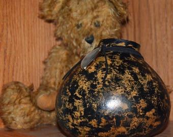 Black and Gold Gourd Vase