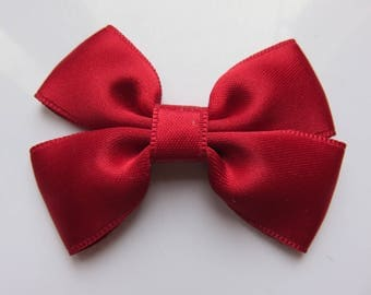 Barrette plastic 4 cm with small bow tie in Cherry Red satin fabric