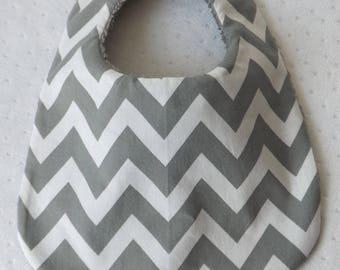 White bib 0-6 months reversible mixed gray and white Chevron