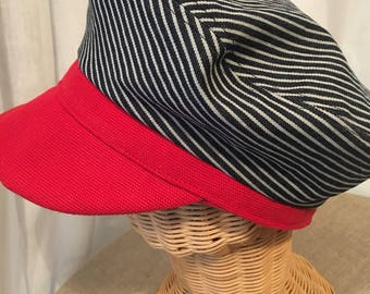 CAP in two-tone cotton lined.
