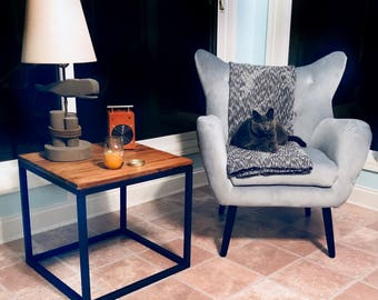 "Accent Table ""Juste"""