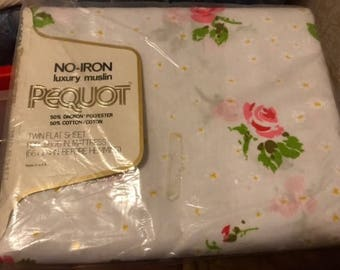 Vintage NEW 1970s No Iron  Luxury Muslin Twin Flat Sheet PEQUOT Red Rose Floral