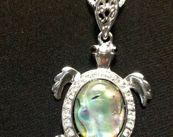 Cute turtle pendant and matching chain