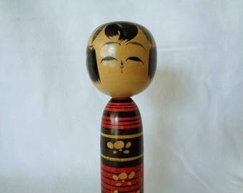 RJ32:Old Kokeshi doll,japanese vintage FolkArt craft Kokeshi doll ,hand made in Japan from wood