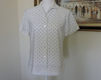 Size Medium; White and blue pattern womens blouse