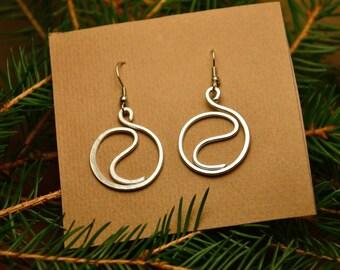 Yin yang earrings, wire earrings, circle earrings, minimal spiral earrings, celtic earrings, aluminium earrings, spiritual gift for her