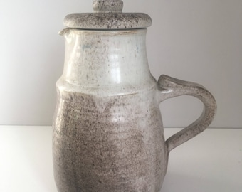Danish style pitcher with lid