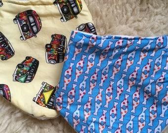 Multipack Daylong FinPin Baby bib- vw xamler and spotty giraffe