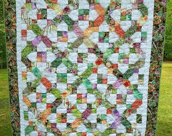 Handmade Crossroads' Large Adult Snuggle Quilt (LG lap/throw quilt)