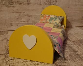 Dolls beds and bedding sets