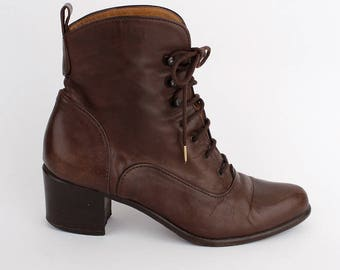 EU 37.5 - Brown vintage ankle boots womens size 4.5 / US 7 - 1980s shoes for women - 80s brown leather booties - victorian lace up style