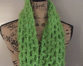 Green infinity scarf / Infinity Scarf / Green Scarf / Soft Scarf / Gift for Mom / Gift for Woman / Mother's Day Gift / Handmade Gift /