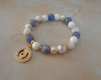 Bracelet made of blue agate and pearls