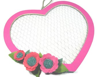 16 inch Valentine Heart Wreath with Felt Flowers, Chicken Wire Wreath, Felt Flower Wall Decor, Chicken Wire Frame, Wire Decor, Ready to Ship