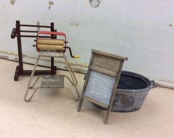 Vintage Dolls House furnishings