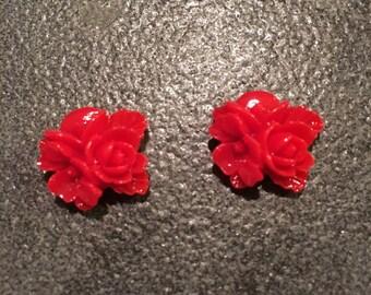 Putti flower bunch earrings