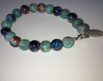Bracelet with marbled glass beads