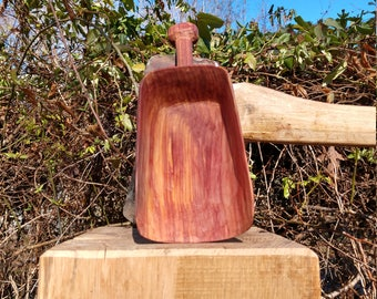 Red cedar kitchen scoop