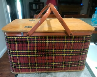 Vintage Red Plaid Picnic Basket made by Redmon in Peru, Indiana 1950 Era