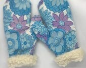 Super cosy vintage fabric mittens