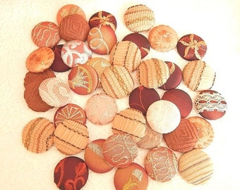 CLEARANCE - 40 peach wine fabric covered button, size 60, 1.5 inch