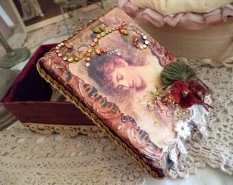 vintage lady trinket box