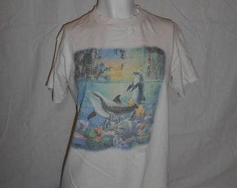 Closing Shop 40%off SALE Vintage 80s 90s  Dolphin tee T-shirt t shirt tshirt         clothing clothes