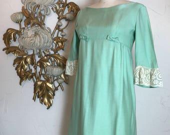 1960s dress baby doll dress Lorrie Deb dress size small Vintage dress mini dress mod dress lolita dress green dress bell sleeve dress
