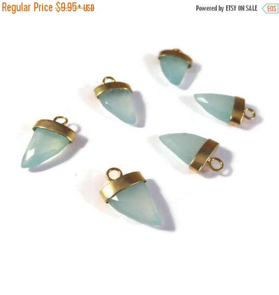 Summer SALEabration - Green Chalcedony Pendant Point, One Gold Plated Bezel Set Pendant, 20mm x 13mm, Faceted Gemstone Charm for Making Jewe