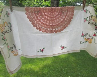 Vintage Linens - Embroidered Dresser Scarf - Kittens in Baskets - Pink Hand Crocheted Doily