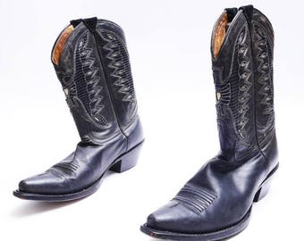 Summer Sale Vintage Johnny Ringo Cowboy Boots // 80's Western Boots// Black Leather Cowboy Boots // 7B size, narrow