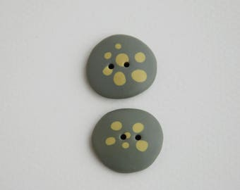 22 mm multicolored handmade Buttons with dots, Set of 2, Moss