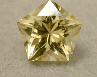 VINTAGE GOLDEN SUNSTONE Fancy Pentagon Faceted Gem 8.81cts fg128