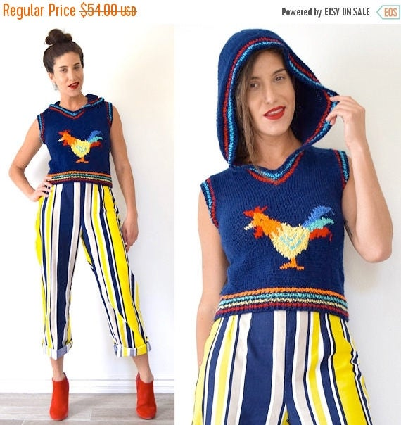 SUMMER SALE / 20% off Vintage 70s 80s Rooster Knit Pullover Cropped Sweater Vest with Hood (size xs, small)