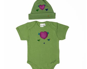 Organic Onesie and knotted cap