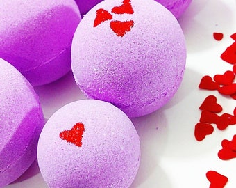 Valentines day gift. SMOOCHES Bath Bomb. Valentines Day Gift for her. Gift for Her. Valentines Bath Gift. Shea butter bath bombs. Wife Gift