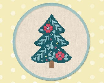 Pretty Christmas Tree. Modern Simple Cute Winter Holiday Counted Cross Stitch PDF Pattern. Instant Download