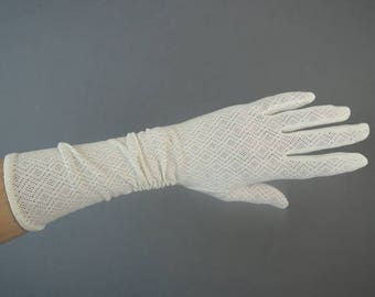 Vintage Ivory Stretch Lace Gloves, 12 inches long, size 6-1/2 to 7, Wedding