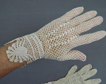 Vintage Crochet Gloves size 6.5, Edwardian Antique 1900s Ivory