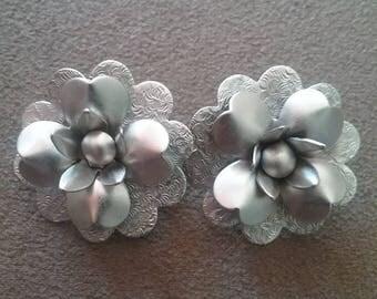Earrings, Silver Tone Earrings, Silver Flower Earrings, Pierced Earrings, Fashion Earrings, 80s Earrings