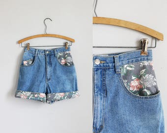 1990s light blue denim high waisted floral cuffed jean shorts / xs - s