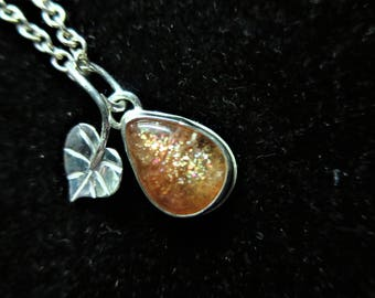 Small Sterling Silver Sunstone and Heart Leaf Pendant