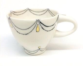 Doble Fancy Teardrop Loop Teacup