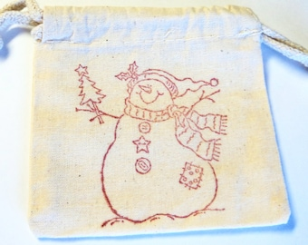 6 Muslin Bags, Christmas Snowman, gift Bags, Packaging, 4x4 Inches, Hand Stamped Red, Party Favor Bags by Takuniquedesigns