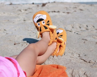 Yikes Twins Children's Tiger slippers