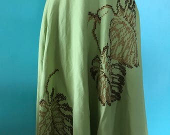 Tropical Holiday - 1950's Avocado Green Twill Embroidered Leaft Skirt