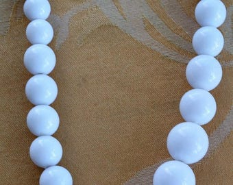 On sale White Plastic Graduated Long Beaded Necklace, Vintage, 30""