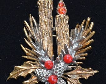 ON SALE Pretty Vintage Christmas Candle Brooch