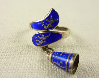 Size 6 Vintage Thai Sterling Enamel Wrap Ring with Charm